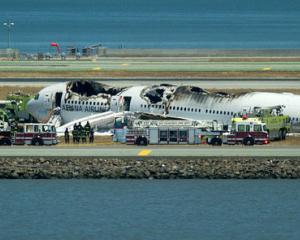 UPDATE 3: A crescut numarul victimelor in accidentul aviatic: 2 morti si 181 de raniti