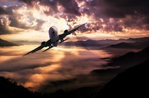 Breaking News: Un avion american s-a prabusit in aceasta noapte