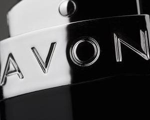 Avon: Riscam sa platim 132 milioane dolari in urma acuzatiilor de mita