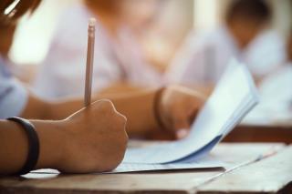 Din ce in ce mai putini absolventi de liceu se inscriu la Bacalaureat. Ministrul Educatiei e ingrijorat