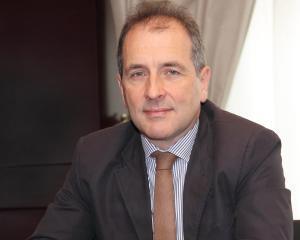 Banca Comerciala Carpatica si Euronet - un parteneriat benefic pentru clientii posesori de carduri prin crearea unei retele nationale de peste 400 ATM-uri