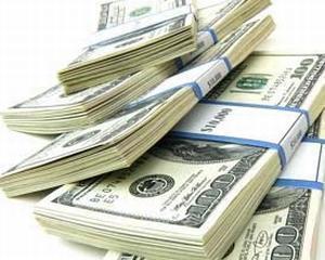 Clientii unei banci din Rusia au retras circa 250 de milioane de dolari, in urma sanctiunilor impuse de SUA