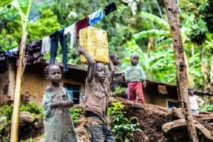 Eradicarea saraciei extreme este un proiect umanitar sau un model cinic de business pentru Banca Mondiala?