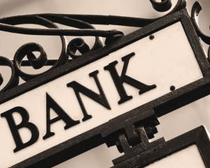SONDAJ RENTROP & STRATON MARKET RESEARCH: Ratele la banci sunt cele mai impovaratoare cheltuieli