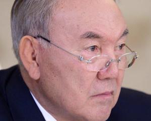 Presedintele Kazahstanului insista ca bancile tarii sale sunt in siguranta
