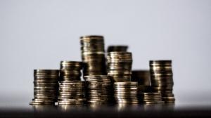 Deficitul de cont curent al Romaniei a sarit la  9,416 miliarde de euro. Datoria externa s-a majorat cu 1,115 miliarde