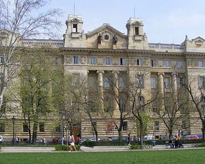 Ungaria elimina comisioanele de la retragerile de numerar de la bancomate