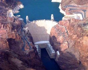 Ministrul Economiei: Ii asteptam pe chinezi sa investeasca in hidrocentralele romanesti