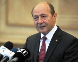 Traian Basescu: I-am cerut premierului ucrainean sa anuleze legea prin care limba romana isi pierde statutul de limba regionala