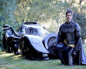Cum arata primul Batmobil care poate fi condus pe drumurile publice