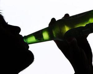 Doar unul din 12 alcoolici europeni beneficiaza de tratament