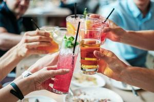 Suntem ceea ce bem sau spune-mi ce bei ca sa-ti spun cum te transformi