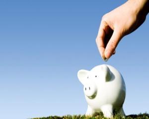 Ce banca ofera costuri zero pentru administrarea contului curent folosit in legatura cu produsele de economisire