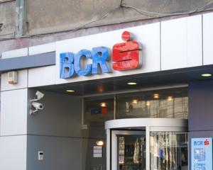 BCR acorda IMM-urilor credite de 526 milioane lei cu garantia statului