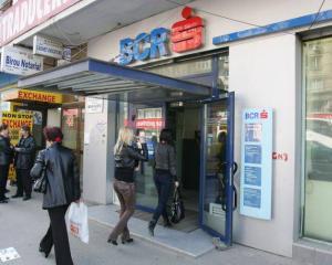 BCR reduce dobanda la Maxicredit, dar tot scump ramane