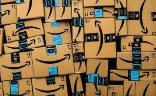 Jeff Bezos (Amazon) are o avere de 200 miliarde de dolari si il asteapta o ghilotina in fata casei