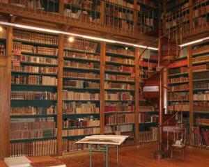 MEN: Biblioteca Pedagogica Nationala este tolerata de actualii proprietari ai cladirii
