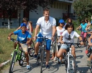 KeepCalling doneaza 1.600 de dolari elevilor din Sibiu