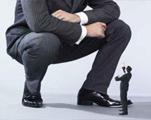 Anii de criza au scos din sistemul bancar romanesc 14.000 de angajati