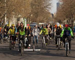 Se deschide sezonul la pedalat prin parc