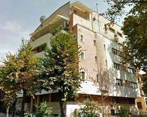 De cate salarii are nevoie un roman pentru a-si lua un apartament cu 4 camere: 300
