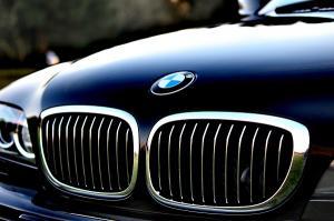 BMW ocoleste Romania si investeste un miliard de euro intr-o uzina in Ungaria