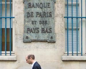 Yves Smith: Nu trageti in pian, ci in pianist. De fapt, nu pedepsiti bancile, ci bancherii