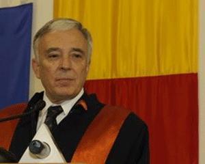 Mugur Isarescu a devenit Doctor Honoris Causa al Universitatii din Bucuresti