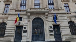 Rezervele valutare ale Romaniei s-au diminuat cu peste 1 miliard de euro. MFP a avut de rambursat 1,573 miliarde de euro, in noiembrie