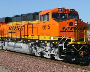 Un tren plin cu titei a deraiat in Dakota de Nord