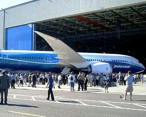 Boeing si Airbus testeaza rabdarea clientilor cu comenzi de 129 miliarde dolari