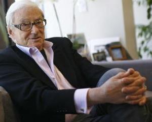 """Investitorul Tom Perkins spune ca impozitarea progresiva ii """"persecuta"""" pe cei bogati"""