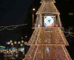 Aprinderea iluminatului festiv in organizare