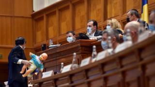 Roman, PNL: Daca s-ar fi confiscat averea lui Dragnea, probabil erau bani si pentru majorarea alocatiilor