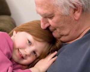 Editorial Dan Manusaride: 1 iunie 2013: Nevoia de bunici