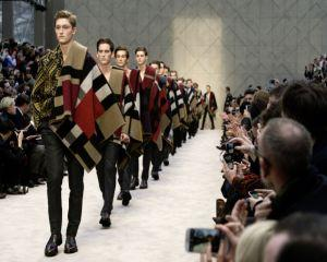 "Burberry a lansat ""A Painterly Journey"""