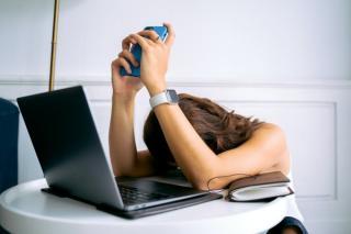 Burnout made in Romania: majoritatea angajatilor au trecut prin cel putin un episod de epuizare in ultimii cinci ani