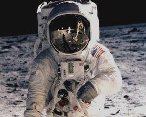 Legendarul Buzz Aldrin ii indeamna pe oameni sa colonizeze Planeta Rosie