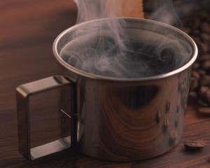 Studiu: Cafeaua ne ajuta sa rezistam in fata presiunilor de la job