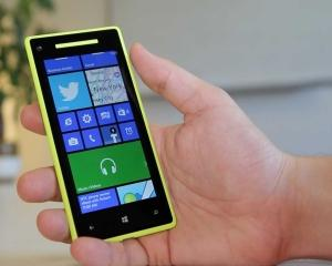 Ce aplicatii mobile ar fi bine sa ai pe telefon cand pleci intr-o calatorie