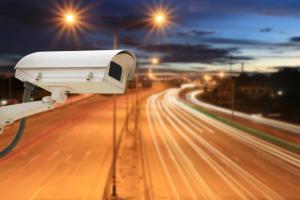 Functionalitatea sistemelor de supraveghere poate fi radical imbunatatita cu ajutorul corpurilor de iluminat stradal!