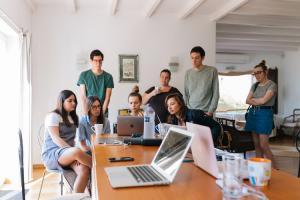 Idei de activitati pentru un team building organizat iarna