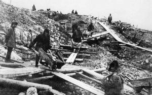 Primul santier al Canalului Dunare - Marea Neagra. Pagini dintr-o tragedie nationala (I). Securitatea demasca dusmanii de clasa
