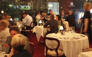 Cand se vor redeschide restaurantele, pub-urile, cafenelele, parcurile si hotelurile din Romania?