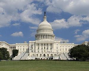 SUA tuseste, UE raceste: Washington-ul se pregateste de blocaj, bursele europene scad