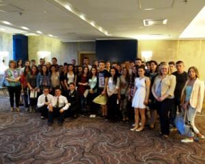 Peste 200 de elevi si studenti au luat parte la un amplu program de formare profesionala in domeniul HoReCa