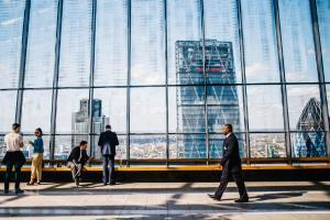 Oamenii de succes se formeaza la umbra corporatiilor