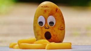 Pretul cartofilor a sarit cu 29,11% fata de decembrie 2017