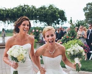 Ce parere aveti despre legalizarea casatoriilor intre persoane de acelasi sex?