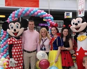 Carrefour le dedica familiilor o casa de marcat prioritara